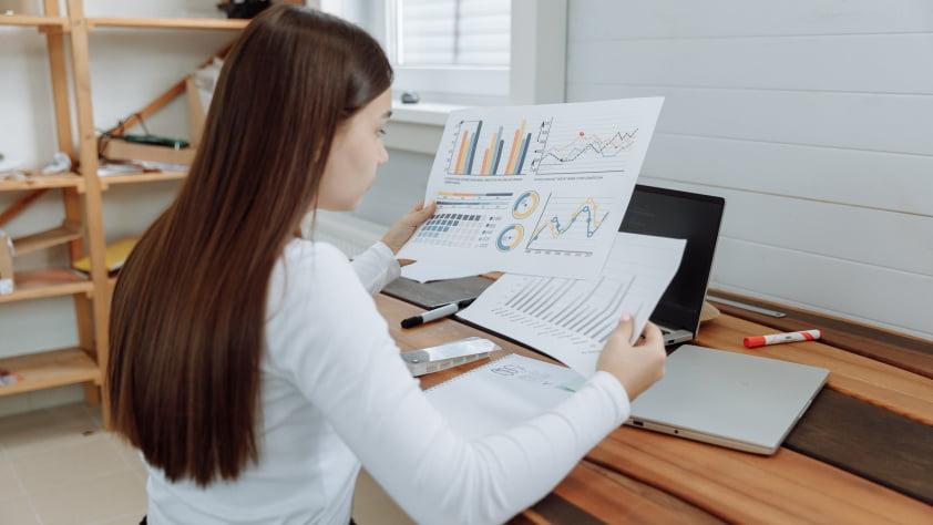 woman analysing data